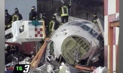 20 anni fa la strage all'aeroporto di Milano Linate dove morirono 118 persone