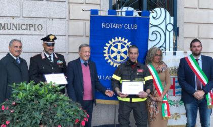 Consegnate le onorificenze rotariane a Carabinieri e Vigili del Fuoco di Stresa