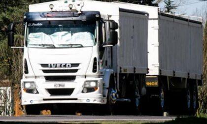 Camionisti diretti a Novara rispediti in Svizzera: erano senza Green Pass