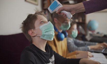 Covid, il 70% dei 12/19enni è vaccinato: calano i contagi nelle scuole